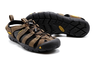 KEEN CLEARWATER CNX DARK EARTH/BLACK
